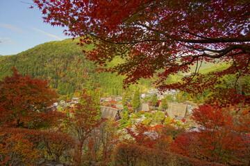 Deurstickers Rood paars Scenery of Gero Onsen at Autumn in Gifu, Japan