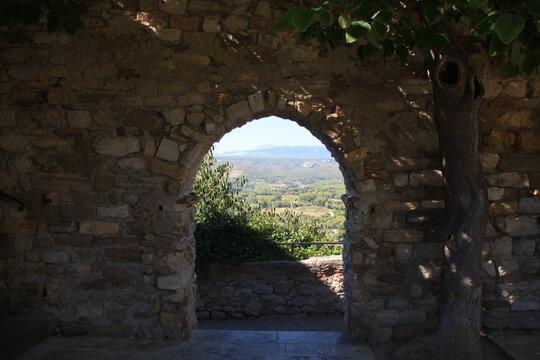 les remparts du Castellet