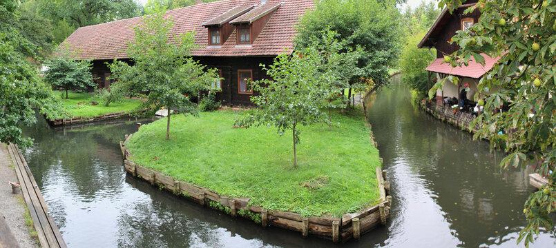 Spreewald Kanäle Dorf Lehde bei Lübbenau