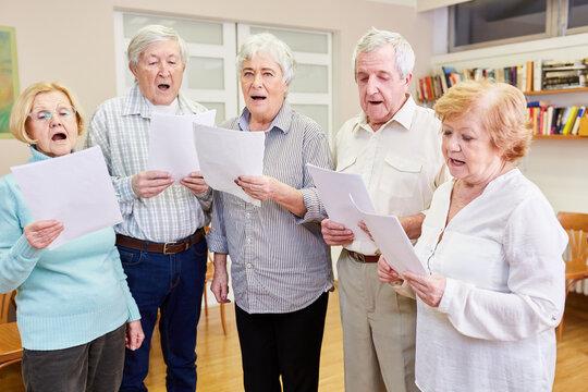 Old people as singers in a senior choir