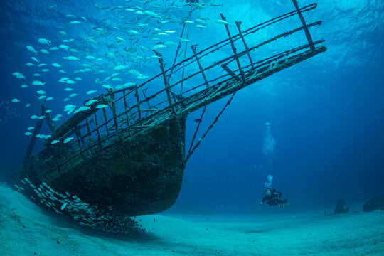 Diver on wrecks in Sint Maarten