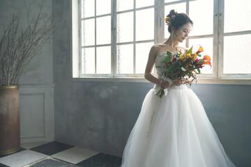 ウェディングドレスを着た女性 ブライダルイメージ ウェディング 結婚式