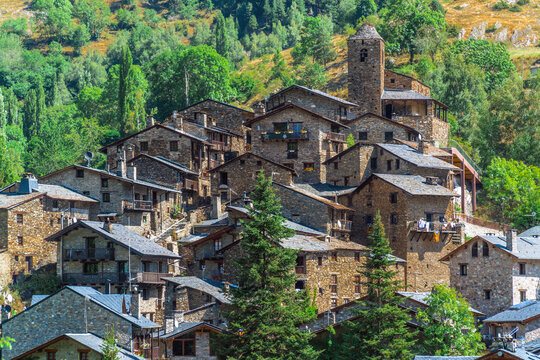 Os de Civís, Catalonia / Spain: Stone houses on hilltop in the Pyrenees