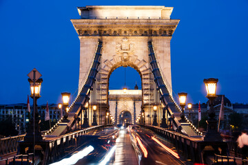 Chain Bridge at night, Budapest, Hungary Papier Peint