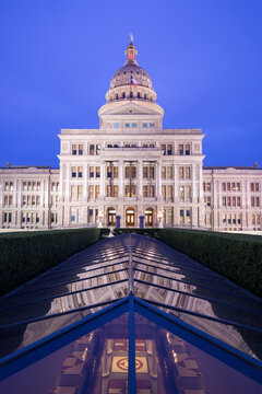 Exterior view of Texas State Capitol