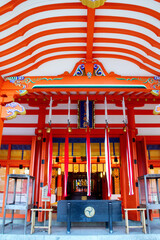 日本和歌山県の世界遺産熊野那智大社拝殿写真参拝客|風景写真神社仏閣