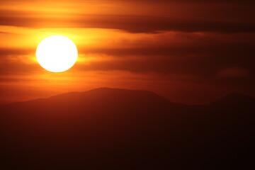 Foto auf Leinwand Braun coucher de soleil au Pic Sailfort