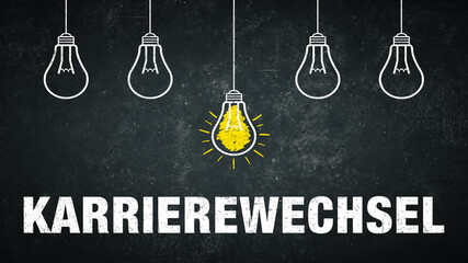 Karrierewechsel. Text auf einer schwarzen Tafel mit Glühbirnen.