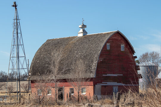 Selective focus shot of an old weathered barn