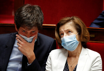 French parliament resumes plenary after summer break