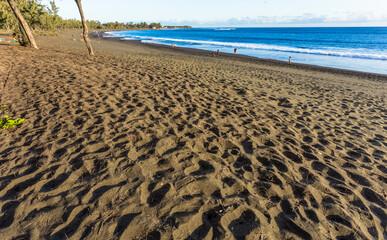 Plage de sable noir, L'étang salé les bains, île de la Réunion