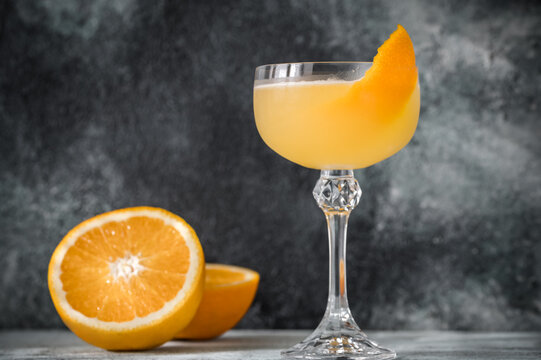 Glass of Bee's Knees cocktail