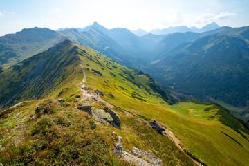 Photo sur Plexiglas Bleu jean mountain range with trail in High Tatra mountains Poland and Slovakia border