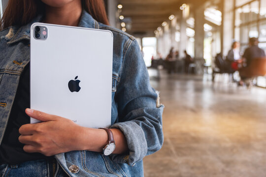 Sep 16th 2020 : A woman holding Apple New Ipad Pro 2020 digital tablet in cafe , Chiang mai Thailand