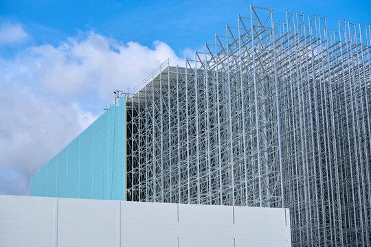 Baustelle eines neuen Hochregallagers in einem Gewerbegebiet in Magdeburg
