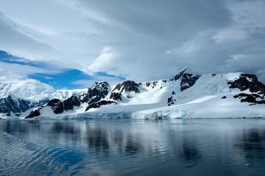 Extreme Landscape of Antarctica