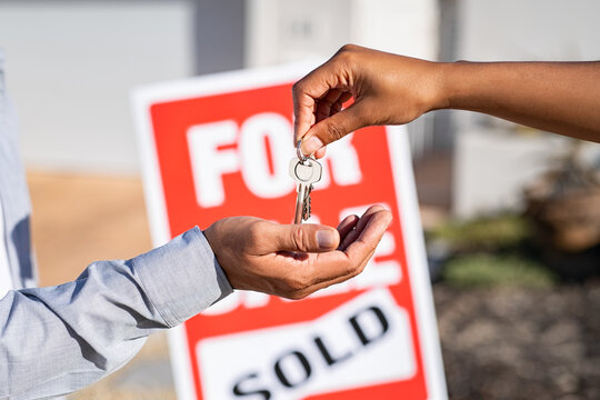 Real estate agent gives home keys to man