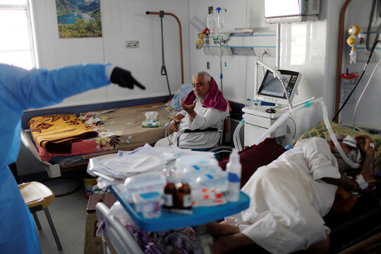 Violence mounts against Iraqi doctors with spiking COVID cases
