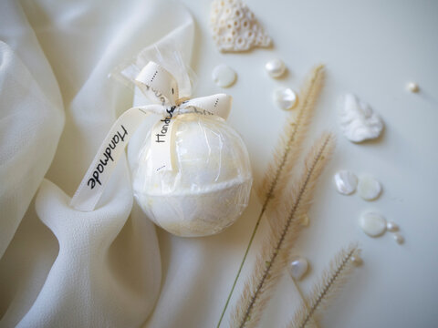 Bath bombs made from natural ingredients