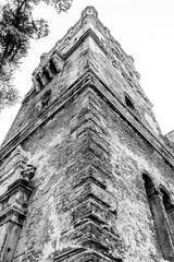 czarno białe pałac, ruina, stara zabudowa, zabytek