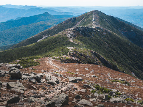 Looking at Mount Lincoln and the Franconia Ridge trail from the side of Mount Lafayette in New Hampshire's White Mountains