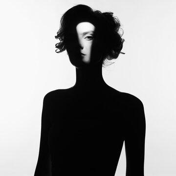 Black and white fashion portrait of beautiful lady