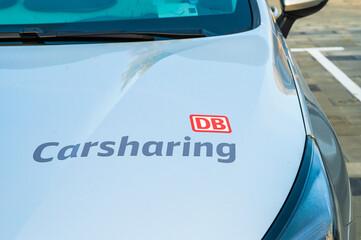Deutschland , Cottbus , 15.09.2020 , Schriftzug DB Carsharing auf der Motorhaube eines Autos