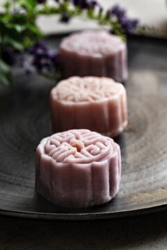 Pastel color Mooncake with Soybean paste filling