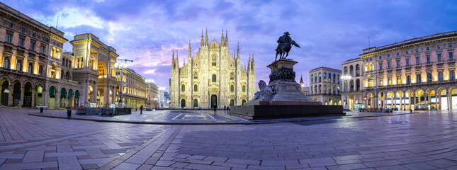Wall Mural - Milan Cathedral Basilica at twilight time in Milan, Italy