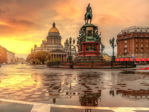 Sunset over the St. Isaac's Cathedral, Saint Petersburg, Russia.