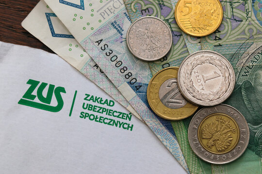 Letter from ZUS (Zaklad Ubezpieczen Spolecznych) - Polish National Social Insurance Company and polish money