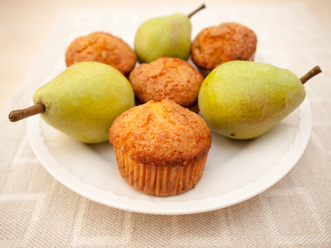 Pear muffins