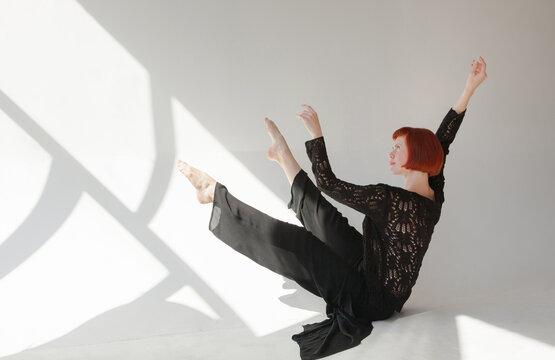 Contemporary dance in the studio