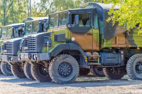 Camions militaires