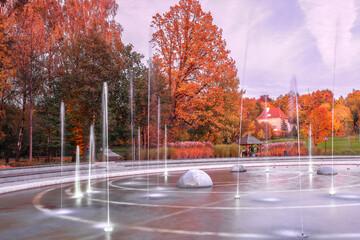 jesienny wieczór w parku w Olsztynie