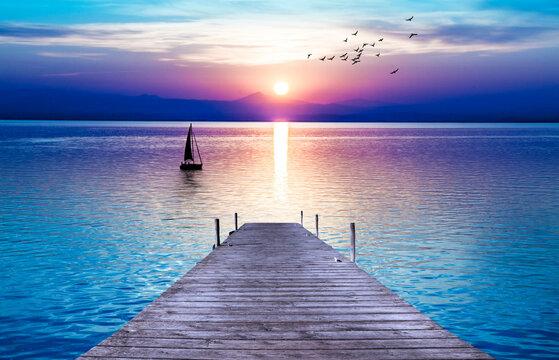 bonito amanecer en el mar en calma