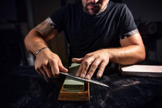 Sharpening chef knife