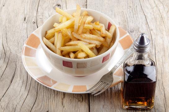 french fries and malt vinegar