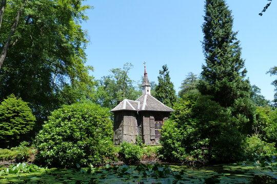 Inselkapelle Wildpark Englischer Garten Eulbach bei Michelstadt und Vielbrunn im Odenwald