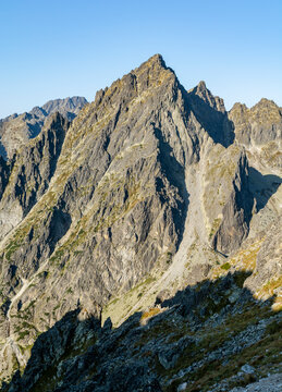 Summit - Posrednia Gran (Prostredny hrot, Stredohrot). One of the 14 peaks included in the so-called Great Crown of the Tatra Mountains.