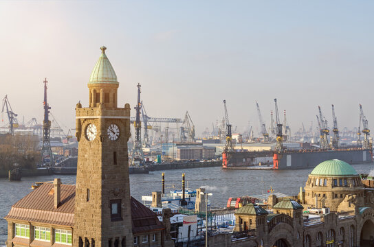 Overview of the famous Landungsbrücken and harbor facilities in Hamburg, Germany