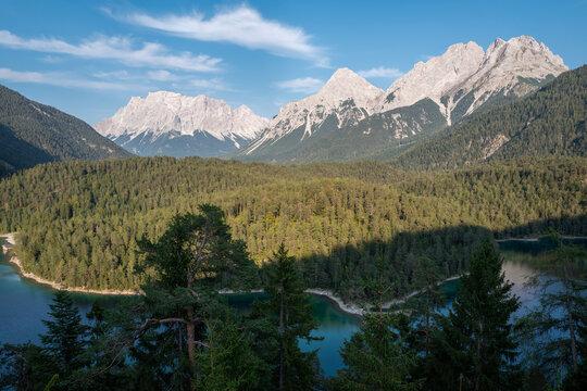 Zugspitze mit See