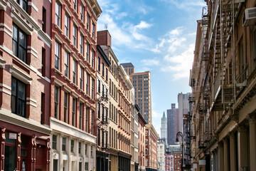 View of the historic buildings along Mercer Street in the SoHo neighborhood of Manhattan, New York City Fotobehang