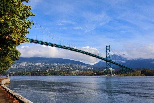 Lions Gate Bridge from Stanley Park Seawall, Stanley Park, autumn, Vancouver City, British Columbia, Canada