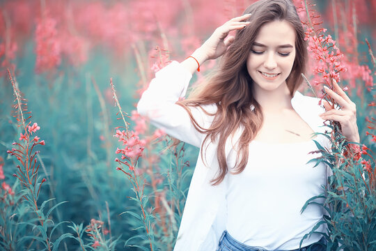 nature autumn field fashion model girl / landscape in summer field beautiful young happy model glamorous