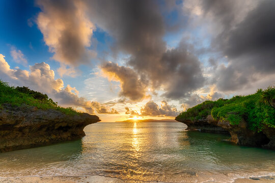 パナリ島 夕焼け 朝焼け