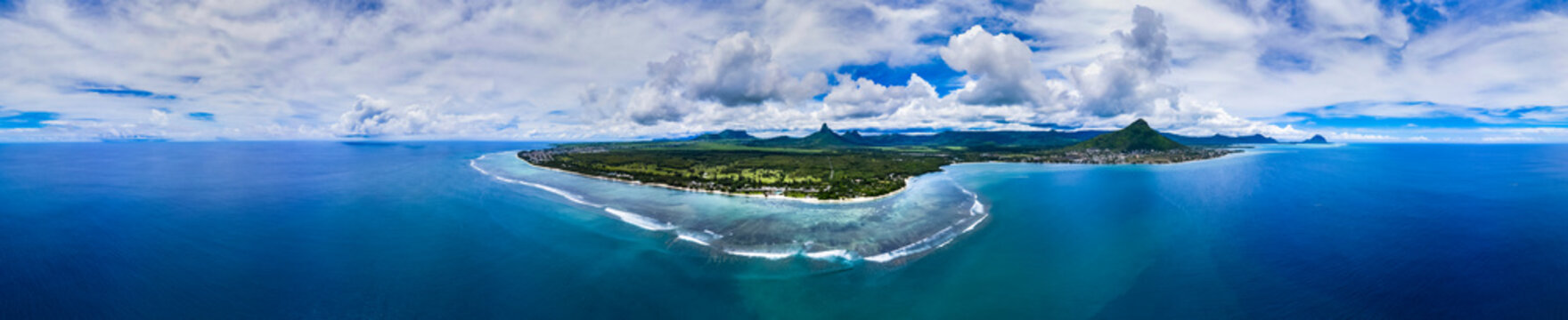 Mauritius, Black River, Tamarin, Helicopter panorama of island in Indian Ocean in summer