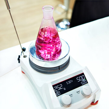 Heated magnetic stirrer
