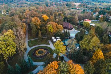 Wysowa Zdrój, park, z lotu ptaka, jesień