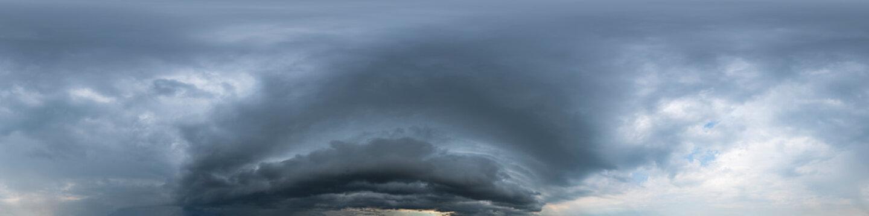 360° Panorama, Himmel, Gewitter, Wolken, Sturm, ohne Boden, zur Verwendung in 3D-Grafiken, Himmelsersatz für Kompositionen in sphärischen Luft- und Bodenpanoramen als Himmelskuppel